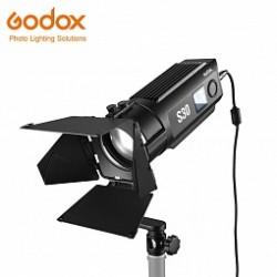 Новинка Godox: фокусируемый светодиодный осветитель Godox S30